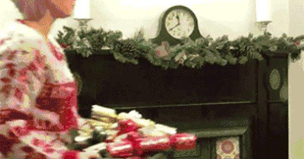 weihnachtsbaum dekorieren so machst du es richtig fun. Black Bedroom Furniture Sets. Home Design Ideas