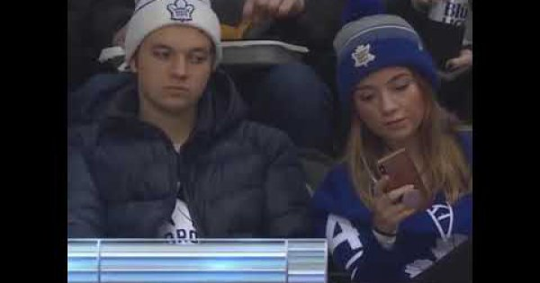 Toronto Maple Leafs Fans Put On A Fake Smile For A Selfie Webfail Fail Pictures And Fail Videos